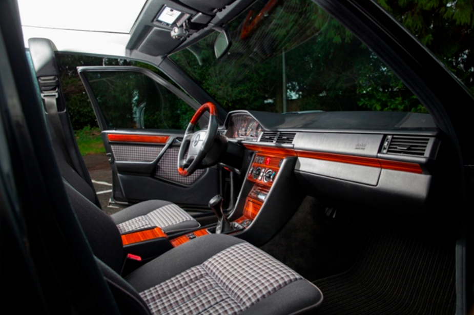 Mercedes-Benz W124 320 E LoTec Turbo - 1993 - Classic Grid
