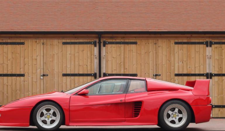 Una Ferrari mostro della autobahn in vendita con BMW e Mercedes